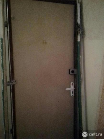 Дверь металл. входная, ширина 90 см, б/у, хорошее состояние. Фото 1.