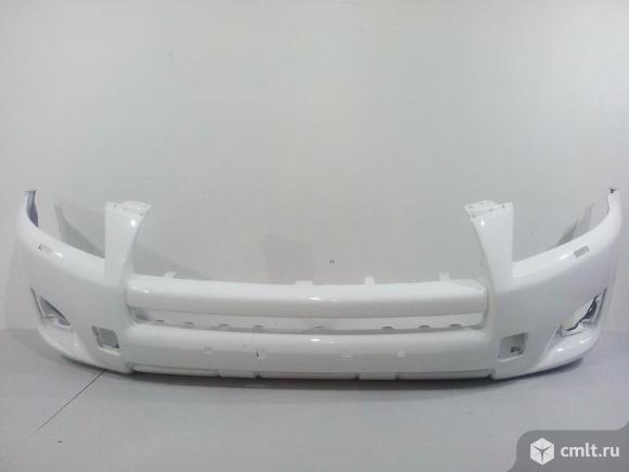 Бампер передний TOYOTA RAV4 08-10 5211942973 521942710 оригинальный новый окрашен белый перламутр. Фото 1.