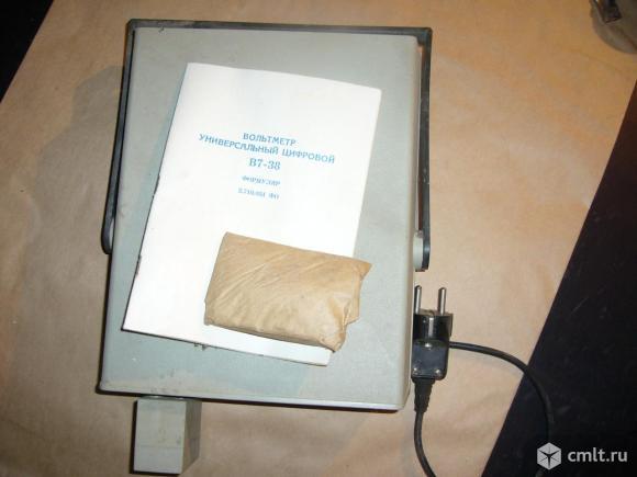 Радиоизмерительный прибор вольтметр универсальный цифровой В7-38. Фото 2.