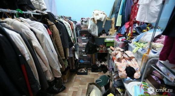 Продам верхнюю одежду б/у. Фото 1.