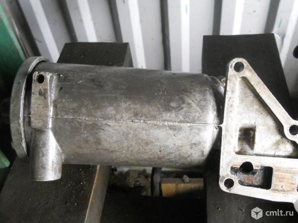 Корпус маслянного фильтра 402 двигатель. Фото 1.