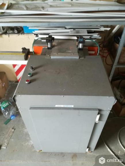 Комплект оборудования для производства окон ПВХ. Фото 1.