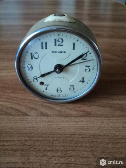 Часы старинные. Фото 1.