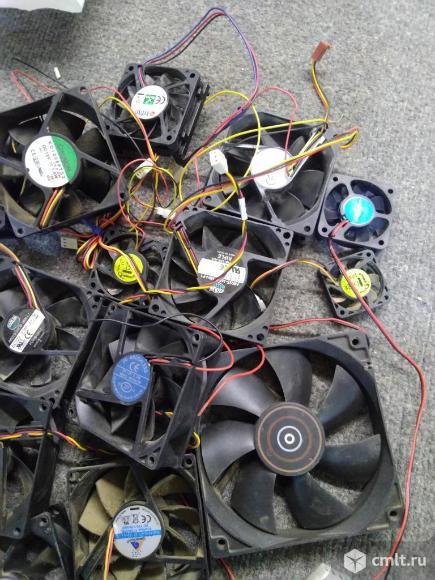 Вентиляторы и переходники. Фото 1.