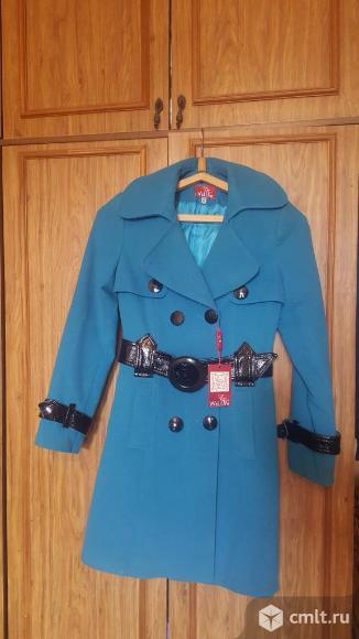 Женское новое пальто. Фото 3.