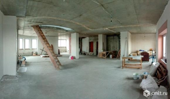 4-комнатная квартира 180 кв.м. Фото 1.