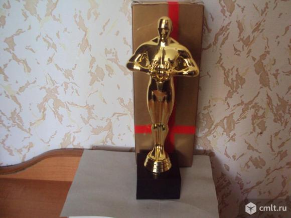 Статуетка Оскар. Фото 1.