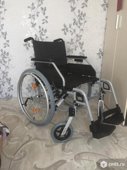 Инвалидные коляски. Фото 1.
