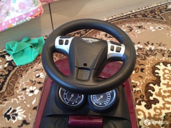 Машина-каталка Bentley. Фото 5.