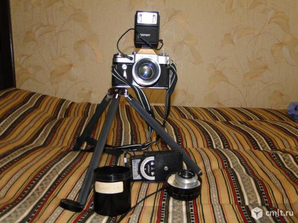 Фотоаппарат пленочный Зенит-3м в комплекте. Фото 1.