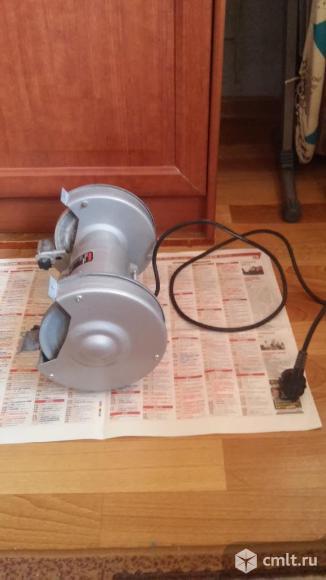 Шлифовально-точильная  машина. Фото 2.