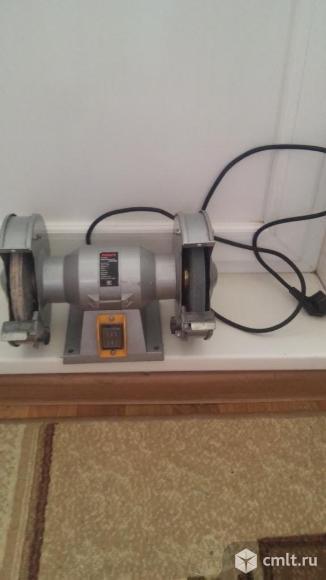 Шлифовально-точильная  машина. Фото 1.