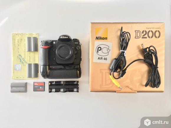 Nikon D200 body + батблок + 4 Аккума + CF 8 Gb. Фото 1.