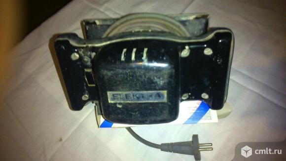 Виброшлифовальную машину ELEKTRA. Фото 1.