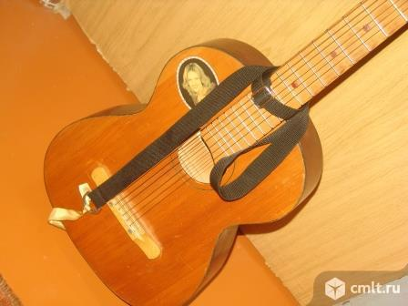 Гитара семиструнная. Фото 1.