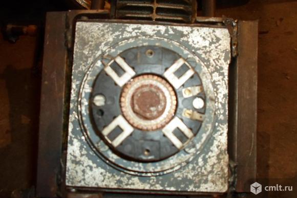 Редуктор угловой Мотор постоянного тока 220В. Фото 3.