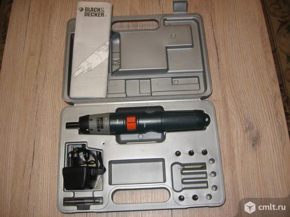Электрическая отвертка Black & Decker. Фото 1.