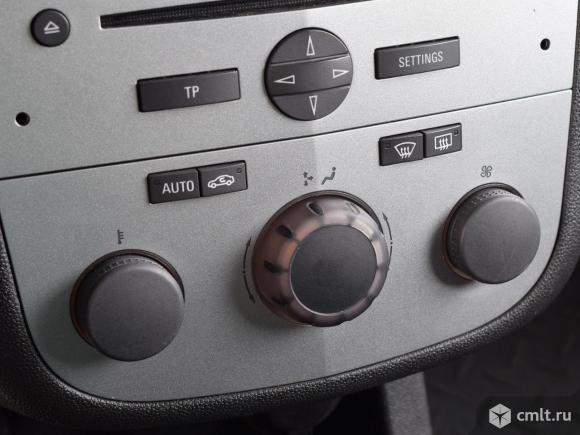 Opel Corsa - 2013 г. в.. Фото 8.