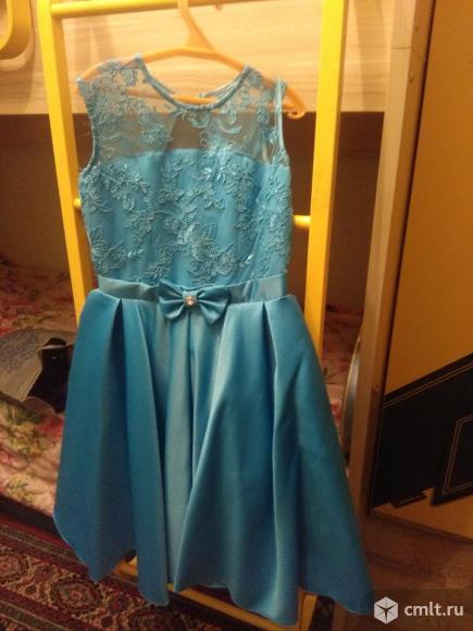 Нарядное платье для девочки. Фото 1.