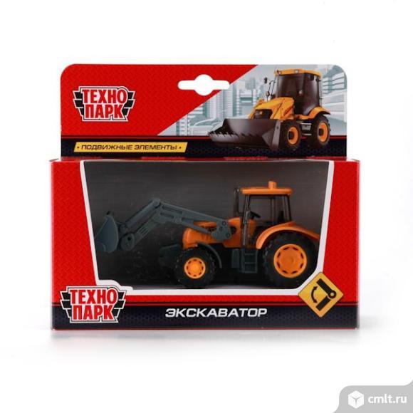 """Трактор-Экскаватор """"Технопарк"""". Фото 1."""