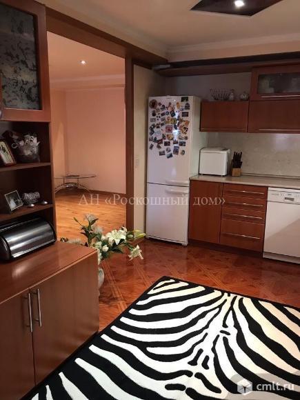 4-комнатная квартира 140 кв.м. Фото 1.