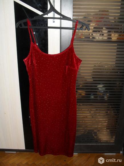 Платье бардовое бархат стрейч. Фото 1.
