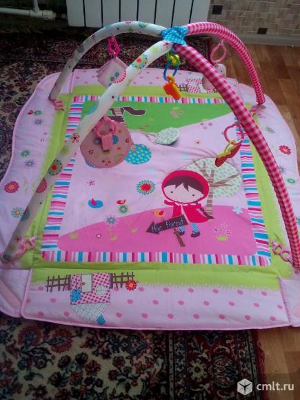Развивающийся детский коврик. Фото 1.