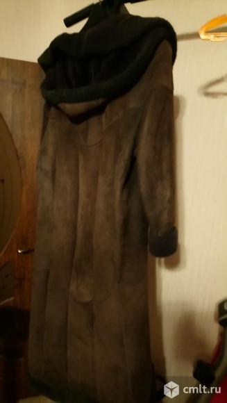 Длинная женская дубленка. Фото 4.