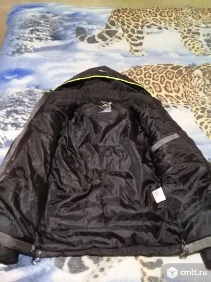 Продается зимняя куртка. Фото 5.
