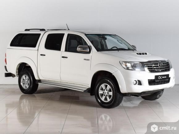 Toyota Hilux - 2013 г. в.. Фото 1.