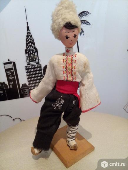 Игрушка на подставке  Народы СССР.. Фото 1.
