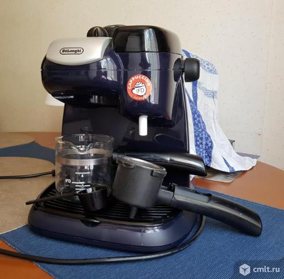 Кофеварка рожковая Delonghi EC 9. Фото 1.