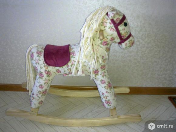 Конь-качалка детская. Фото 1.