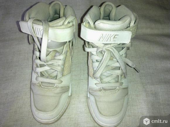 "Ботинки ""Найк"". Фото 1."