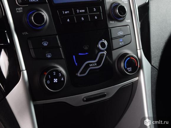 Hyundai Sonata - 2011 г. в.. Фото 8.