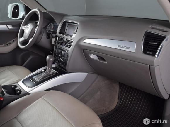 Audi Q5 - 2010 г. в.. Фото 7.