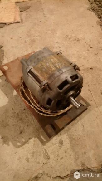 Мотор. Фото 1.