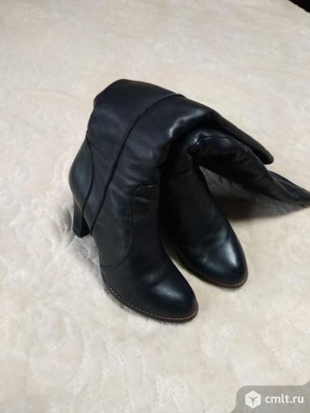 Продаются зимние женские сапоги. Фото 1.
