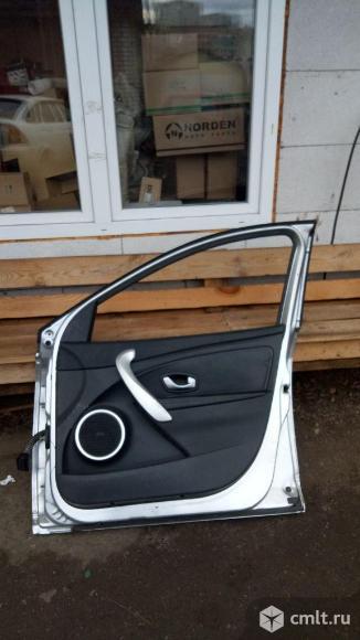 Дверь передняя правая 801000321R Рено Флюенс
