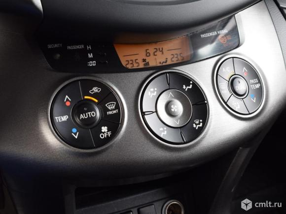 Toyota RAV4 - 2011 г. в.. Фото 8.