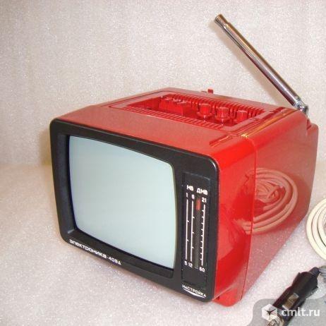 Переносной цв. телевизор. Фото 1.