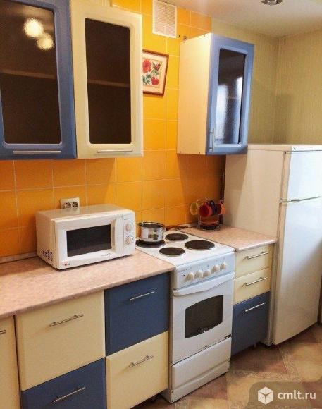 1-комнатная квартира 38 кв.м Фридриха Энгельса,центр города,меблирована,остановка Шахматный клуб. Фото 1.
