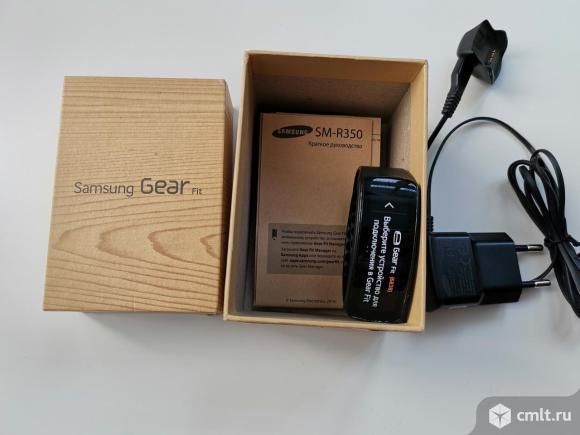 Смарт-часы фитнес-браслет Samsung. Фото 3.