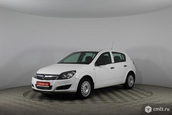 Opel Astra - 2014 г. в.. Фото 1.
