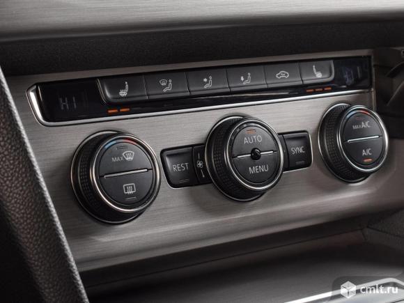 Volkswagen Passat - 2016 г. в.. Фото 8.