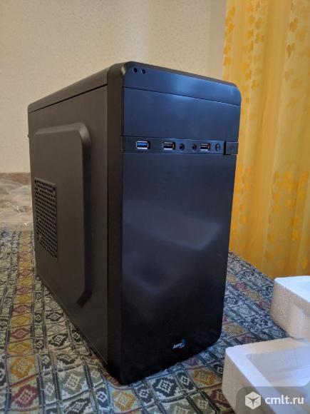 Компьютерный корпус AeroCool QS-180 без БП. Фото 1.