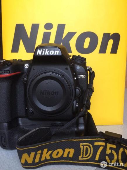 NIKON D750 body + Батарейный блок. Фото 1.