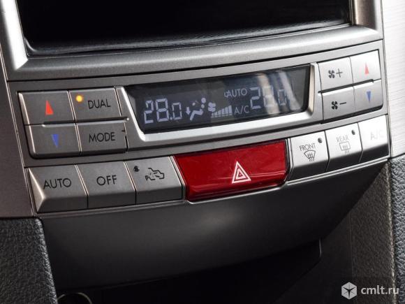 Subaru Outback - 2011 г. в.. Фото 8.