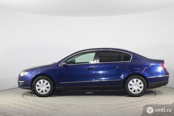 Volkswagen Passat - 2010 г. в.. Фото 1.