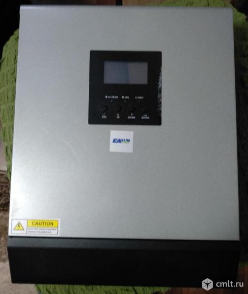 Инвертор 24/220 В + зарядное + контроллер Солнечных батарей. Фото 1.